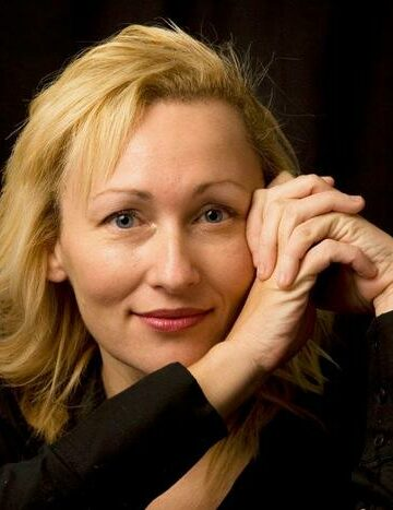 Sarah Pinborough's Audio Book Listen Online