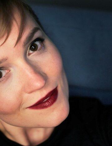 Veronica Roth's Audio Book Listen Online